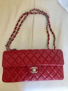 Chanel bag 100% authentic, 99.99 New condition with card