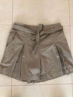 Khaki culottes shorts