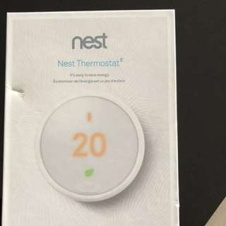 Brand new nest thermostat. Never used. Received 2 as gifts.