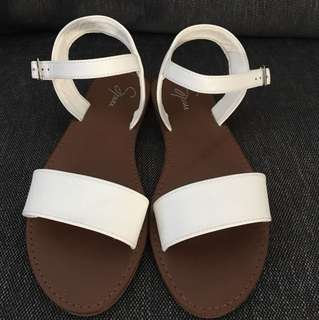 Spurr White Sandals