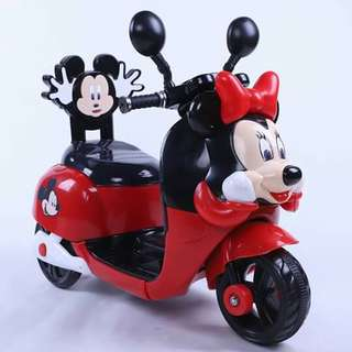 MICKEY AND MINNIE MOUSE MOTORBIKE