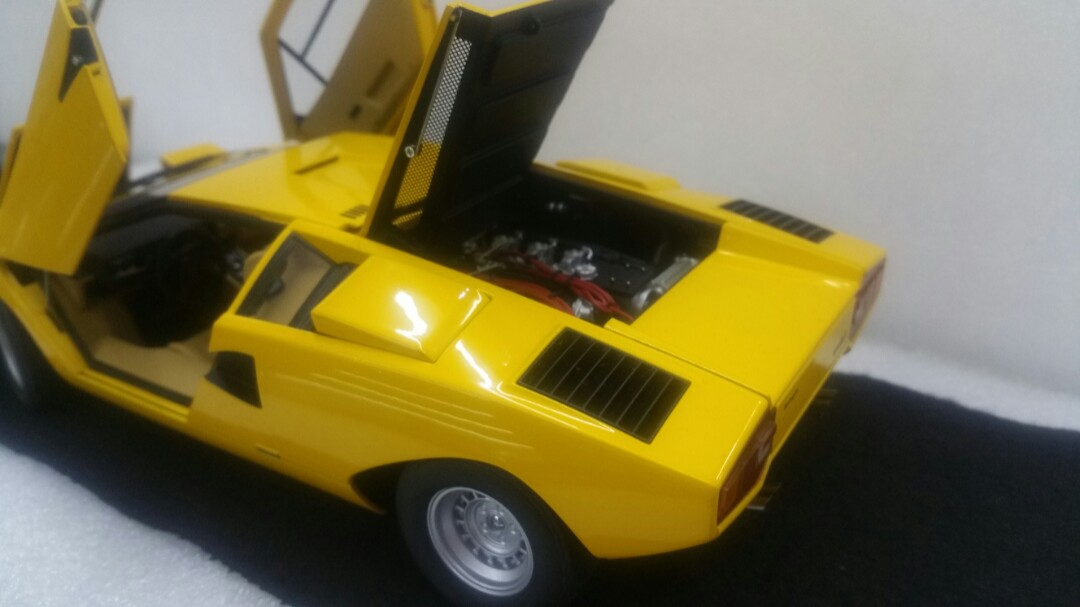 1 18 Autoart Lamborghini Countach Lp400 Yellow Full Opening Toys