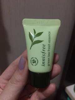 innisfree green tea fresh essence 10ml