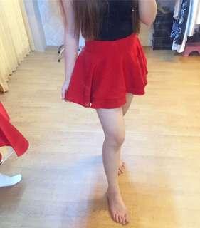 Preloved rok celana merah / red skort / flare skirt / hnm / stradivarius / cotton on / bershka / new look / vnc