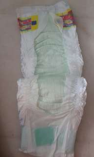 16 pieces MamyPoko baby diapers