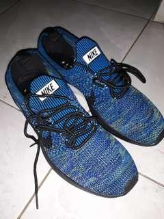 Sepatu nike mariah racer flyknit