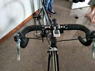 "hi selling me roadbike frame size 54cm crankset shimano ultegra 2*9 speed 52""36"