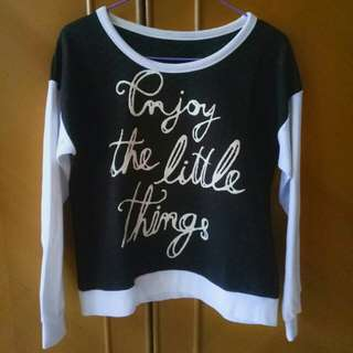 (Preloved) Sweater Black and White