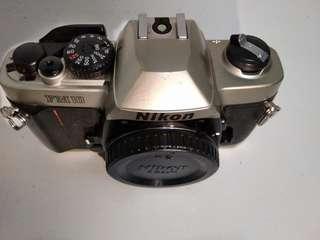 Nikon FM10 Body Only