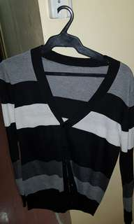 Cardigan stripes (Black and white) Small