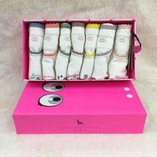 StellaMc童裝 碼數:    5   6   女孩背心(7件) 特價$900