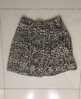 Vintage mini flowy skirt