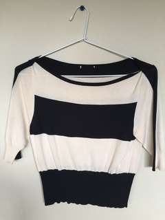 Cue half sleeve knitted top