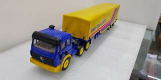 1/55 Die cast Lorry with trailer
