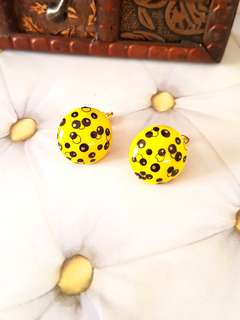 🆕️Vintage Yellow Round Stud Clip-on Earrings