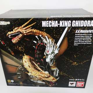 S.H SH MonsterArts Mecha-King Ghidorah Monster Kaiju Arts Godzilla
