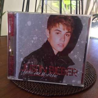 ✨ REPRICED ✨ Justin Bieber Under The Mistletoe Album