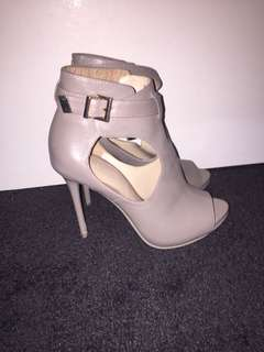 Zara boot heels