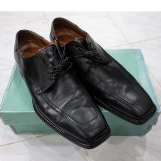 Clarck's Shoes - Force Class (Black Leather)