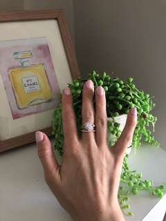 Pear shaped Swarovski crystal diamond ring- sterling silver RRP $250