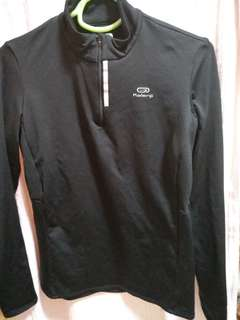黑色長袖衫