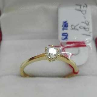 ( size: 8.5 ) 18K SAUDI GOLD RINGS ..''''