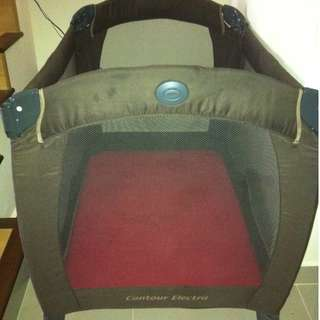 Mildly used GRACO Pack 'N' Play Base on the Go
