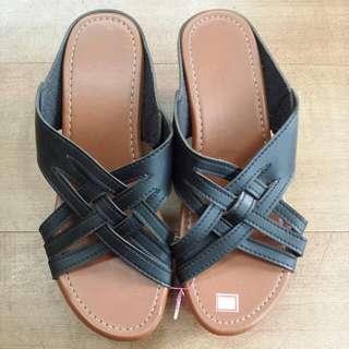 Last Pair! Blk Ladies Wedfe Sandals