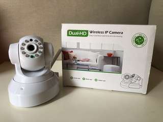 Dual-HD Wireless IP Camera