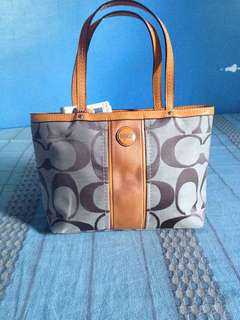 Coach mini tote bag (Authentic) Slightly nego