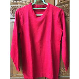 Sweater Rajut Trendy Pria Model V-Neck
