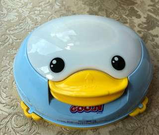 Goon baby wipes dispenser duck