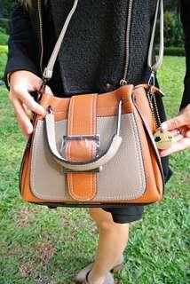 代理T.U. Handbag Korea Style Brown 韓系 女裝 手袋 女包 型格 啡撞灰色 輕便易襯 208 76494