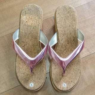 Last Pair Ladies Wedfe Sandals