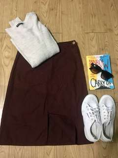Maroon skirt with front slit