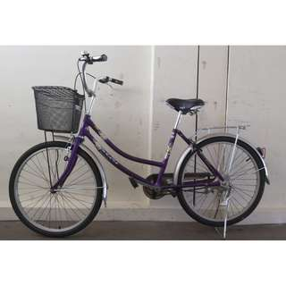 lady bike bicycle Excellent condition brand new tyres and tubes