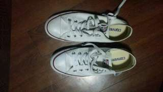 Converse White sneakers 8.5F/6.5M