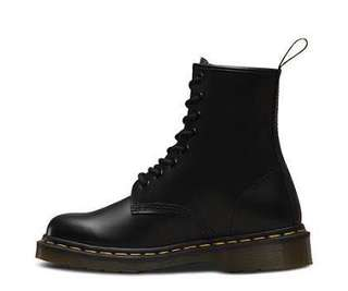 Doc Marten 1460 Smooth Boots