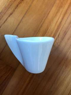 Tea cups tea pot