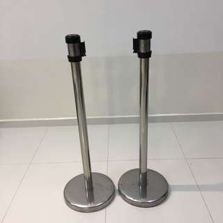 Q-Up Stand and Barricade with Self Retractable Belt