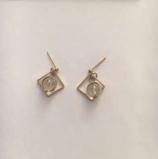 菱角球體耳環