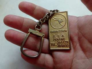 1970's Keychain Qantas Airline free post