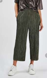 TOPSHOP Awkward Length Pleat Trousers in Green