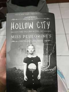 Miss Peregrine Hollow City in english