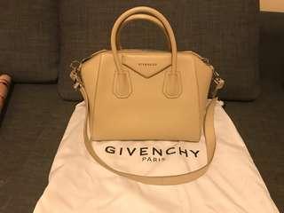 Givenchy bag 99%new