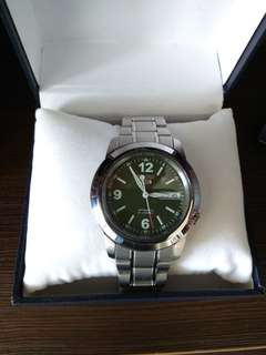 Seiko 5 Automatic (dark green dial)