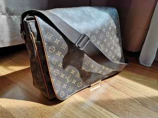 Men LV Original with dust Bag