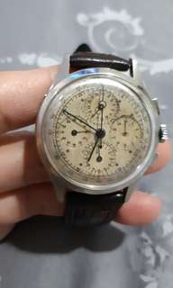 Universal Geneve Dato Compax