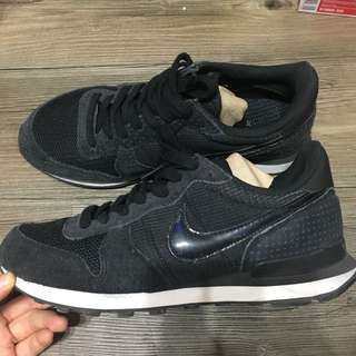 🚚 Nike w internationalist Us8