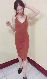 🚚 開叉連身洋裝